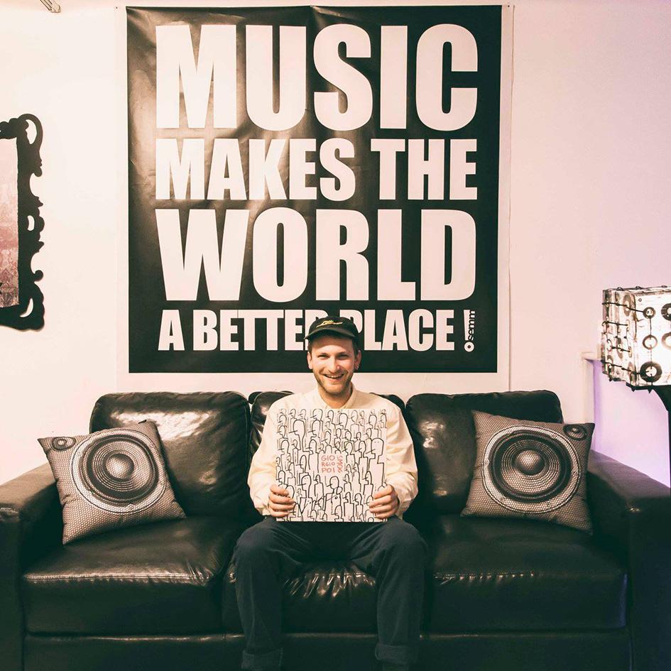 Semm Music Store Special Guest Giorgio Poi