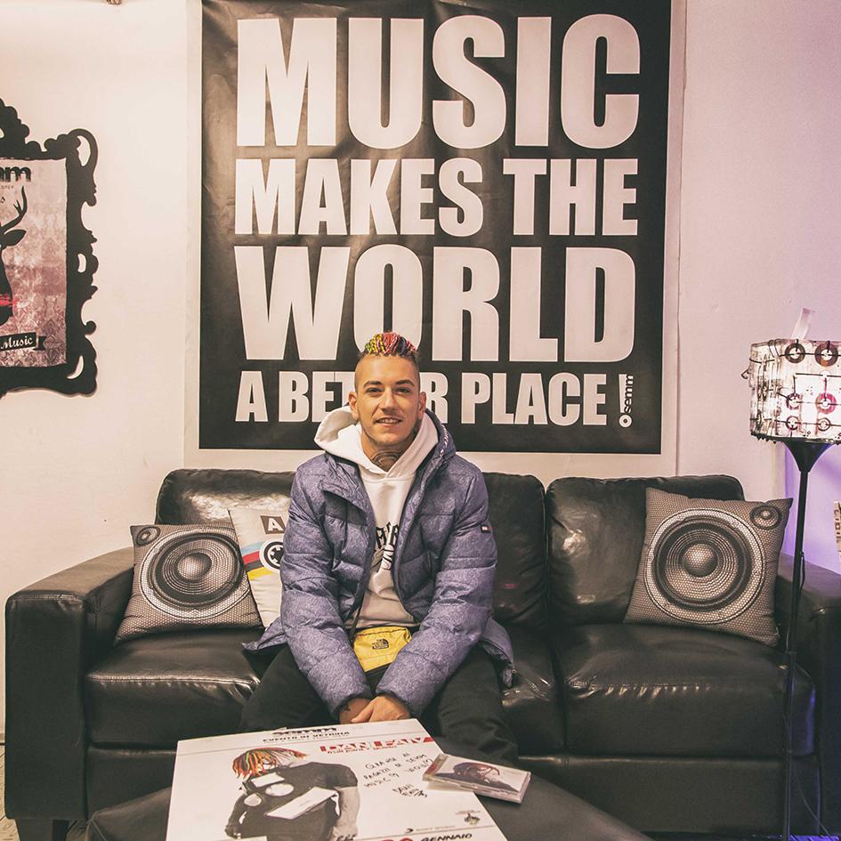 Semm Music Store Special Guest Dani Faiv