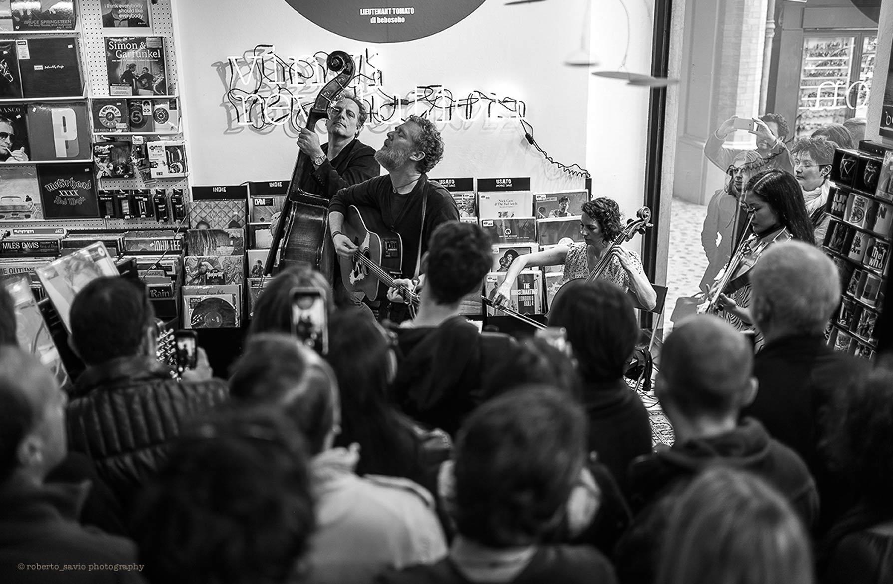 Semm Music Store Evento Glen Hansard